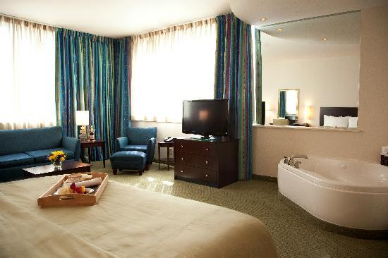 Clarion Grand Boutique Hotel: Jacuzzi Suite