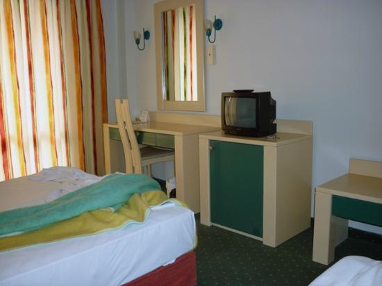 Tropikal Hotel: Our room