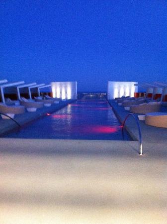 DoubleTree by Hilton Hotel Resort & Spa Reserva del Higueron: Chill out de arriba