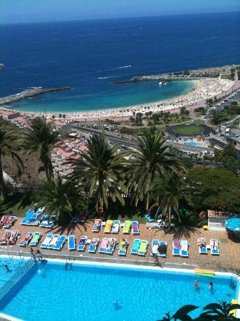 Apartamentos Palmera Mar : View from our room!