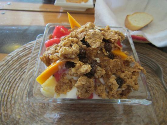 La Tortilleria de Holbox: Fruit and yogurt