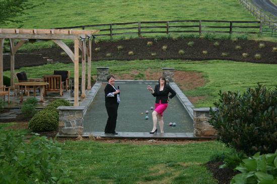 The Inn at Mount Vernon Farm: Bocce Ball anyone?