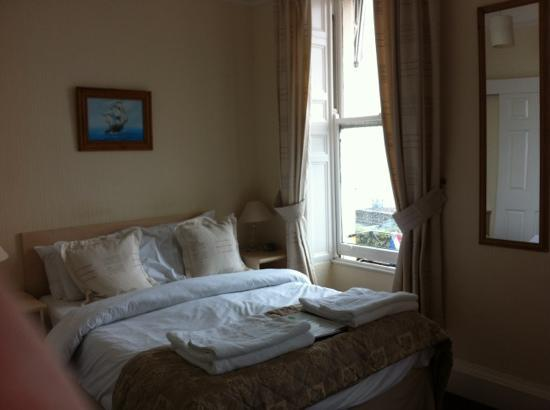 Weymouth Beach B&B: our room