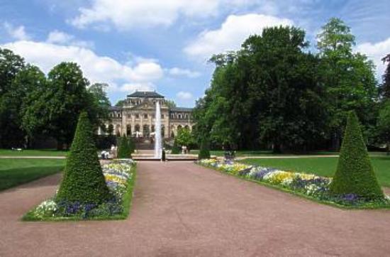 Schlossgarten Fulda: Blick zur Orangerie