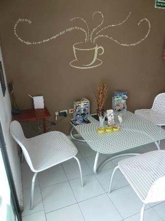 Coffee Stop: loved the wall art and furnishings