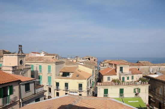 Residenza il Barone: Visita dal terrazzo sul tetto/colazione