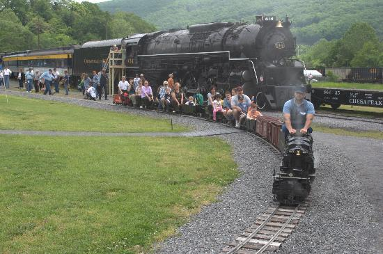 C & O Railway Heritage Center: C&O J3a 614 and the large scale steam train Alleghany