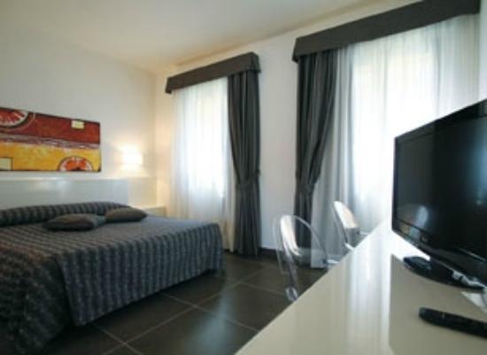 Corte Grande S.R.L. - Albergo Ristorante : Einzelzimmer/Doppel