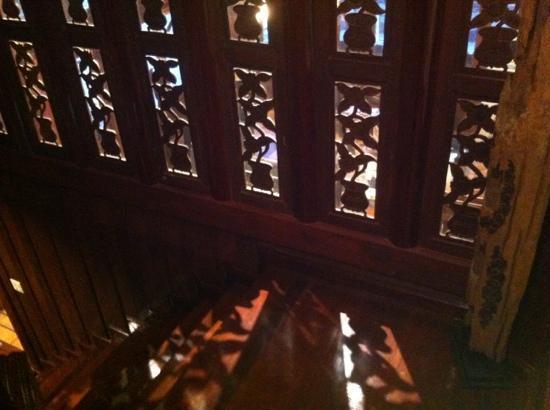 True Siam Phayathai Hotel : stairs