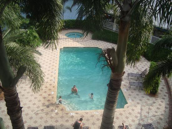 Trianon Bonita Bay: Pool from our room *lovely