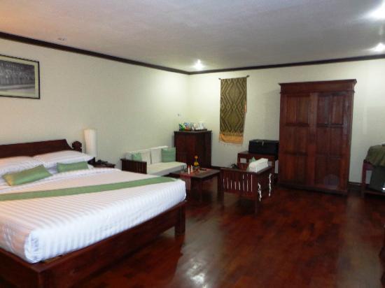 Luang Prabang Residence : Spacious room