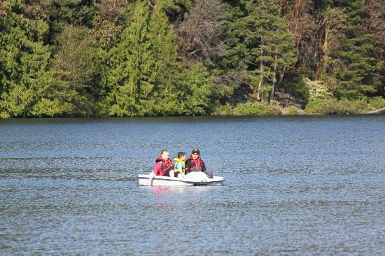 The Inn on Long Lake: paddle boats free for half hour