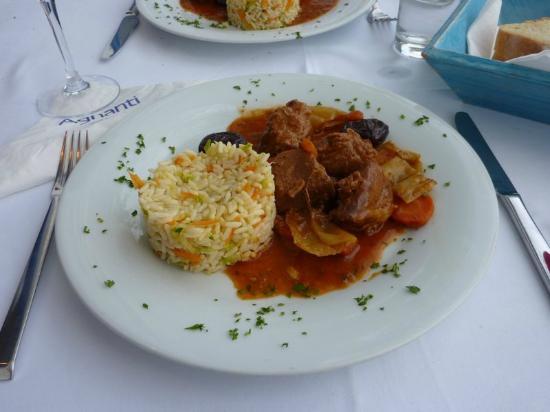 Εστιατόριο Αγνάντι: Traditional pork dish with Skopelos prunes
