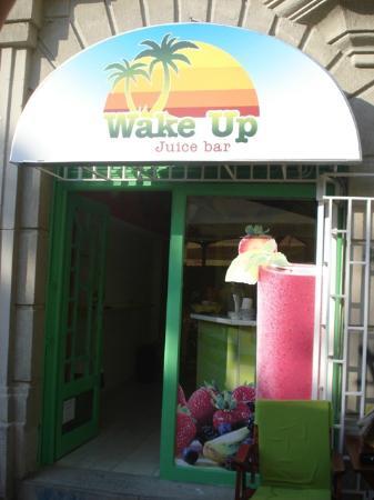 Wake Up Juice Bar: Etrance