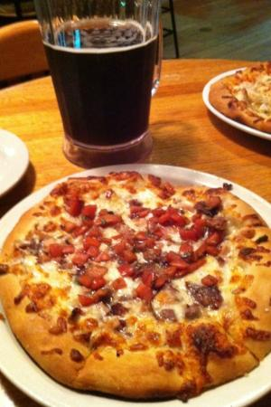 Marietta Brewing Company: Brew house pizza & brown ale