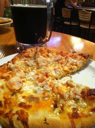 Marietta Brewing Company: Buffalo chicken pizza & brown ale