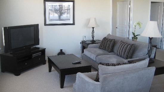 Executive Apartments: Living Room