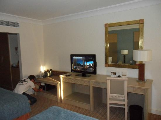 Movenpick Resort Petra : TV