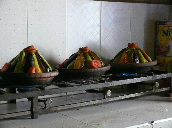 Guest House Merzouga: tagines