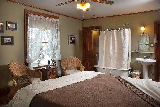 Pinehurst Inn: Elisha's Room, Main House