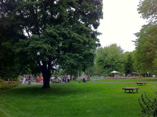 Europas Rosengarten: Lädt zum Picknick ein