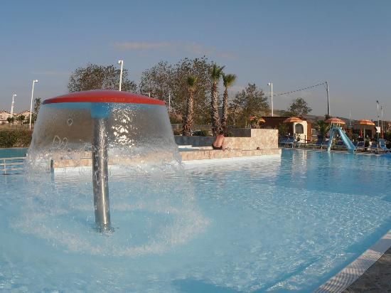 Villaggio Le Meridiane: piscina