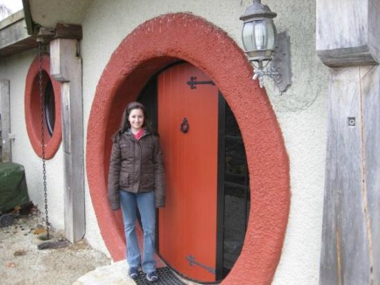 Woodlyn Park : Outside hobbit door!
