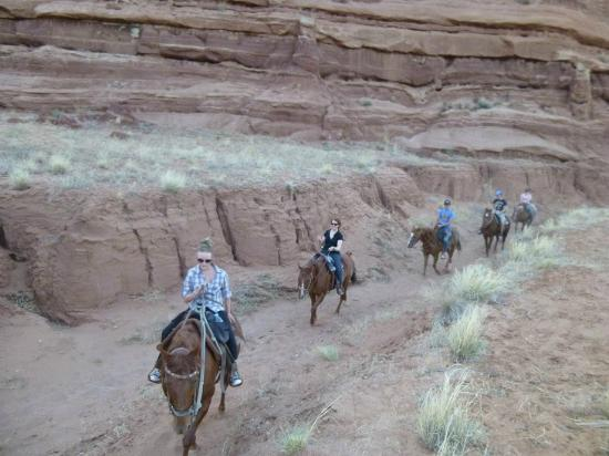 Paria Canyon Guest Ranch : Sunset horse ride in a side canyon of the Paria River Gorge