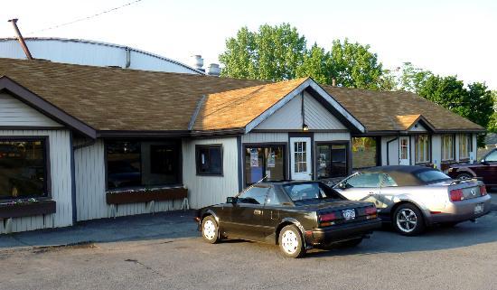 Hill Top Restaurant: exterior