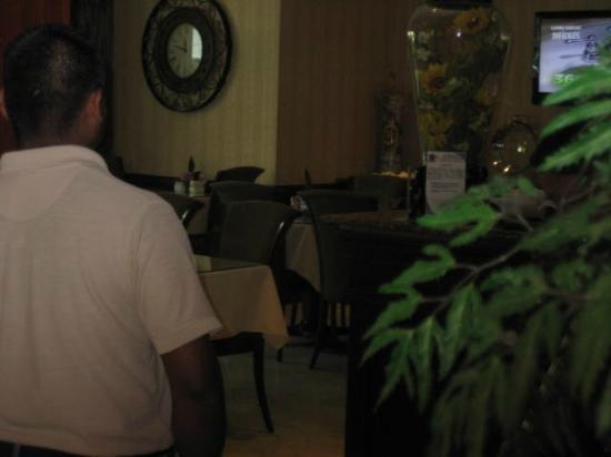 Toscana Inn Hotel: Dining room.