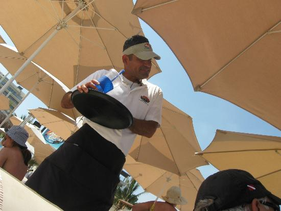 Baja Cantina Beach Club: Miguel on the Beach