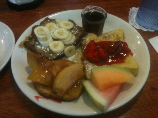 Blueberry Hill Pancake House: French Toast Sampler