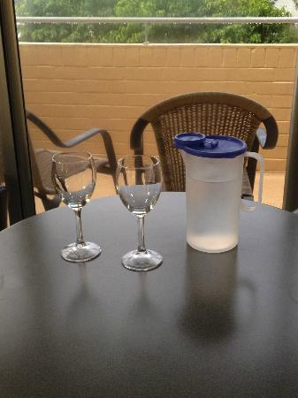 Caribbean Motel: wine glasses and pitcher of cold water -- a nice touch