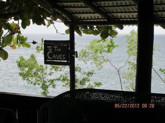 Xtabi Resort: Cave entrance by the bar