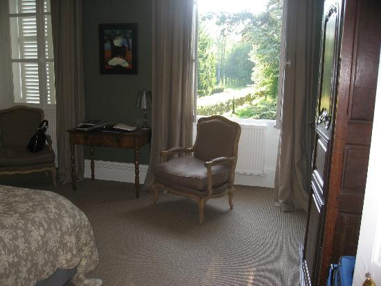 Chateau de la Resle : Green room