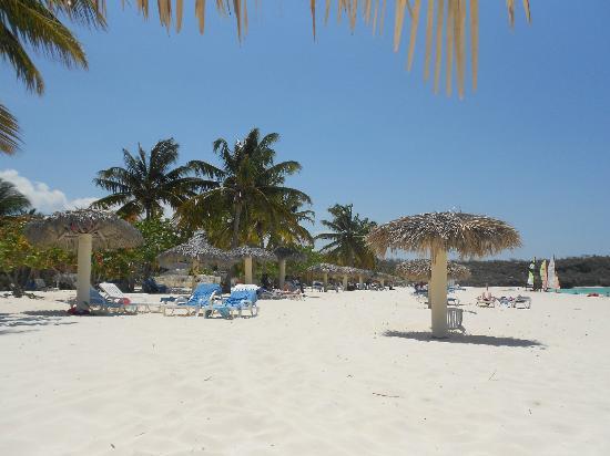 Playa Esmeralda: poco tumulto de gente