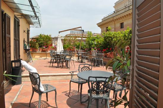 Hotel Parlamento: Rooftop patio