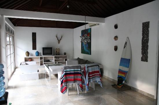 Villa Bali Kubu Rama: main living area in Villa 1