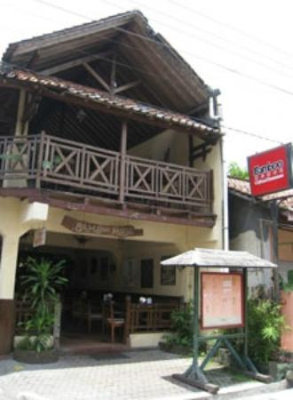 Bamboo House Cafe and Restaurant