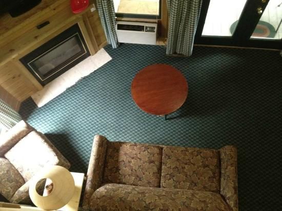 Riverbend Motel & Cabins: View From Up Stairs In Cabin