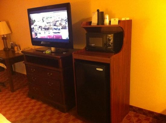 BEST WESTERN Longview: fridge, microwave