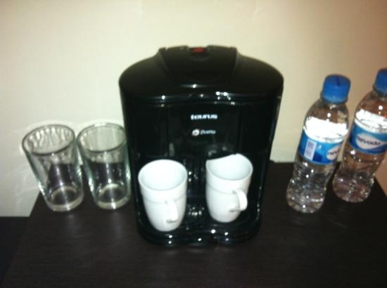 Hotel Chacao & Suites: cafetera