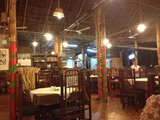 Luna d'Autunno: Restaurant
