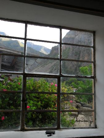Hostal El Tambo: Vista a las ruinas desde una habitación
