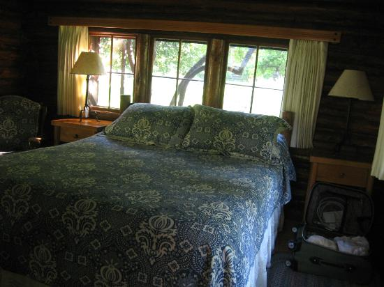 Garland's Oak Creek Lodge: Cabin #1 interior