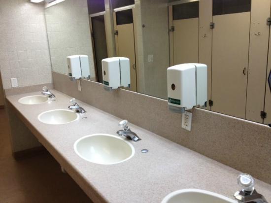 Salt Lake City KOA: The sinks