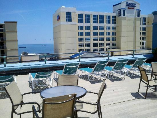 19 Atlantic Hotel: Rooftop deck
