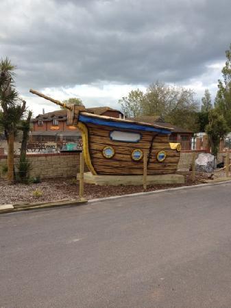Lady's Mile Holiday Park: entrance to splash island
