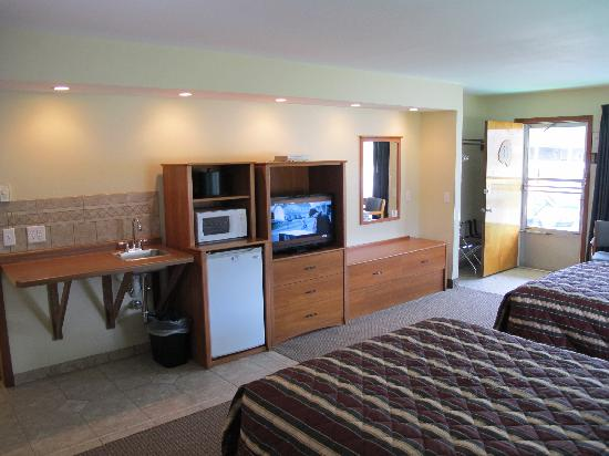 Black Hawk Motel & Suites: Our new room type - Two Queen Superior