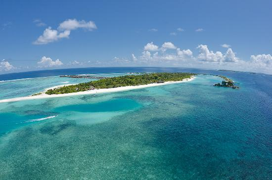 Lankanfinolhu Island: ARIEL